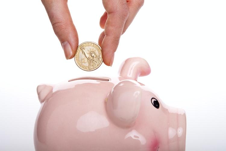 世帯年収1000万の貯蓄額
